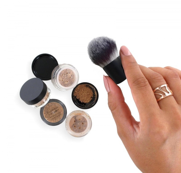 Find your match foundation set Medium
